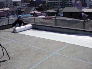 防水シート敷き