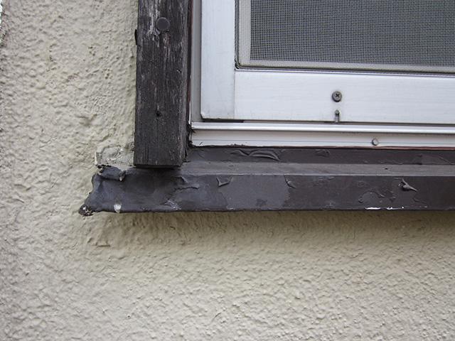 木材の腐食_木造住宅腐食していない窓枠写真_藤沢店コラム04_03