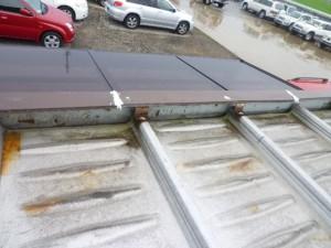 富山店折半屋根雨漏り修理事例03_01